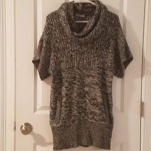 EUC Stylish Size Small DKNY sweater fall neck